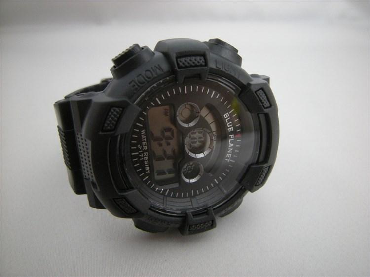 ダイソーの300円時計 ブループラネットG ノーマル正面2