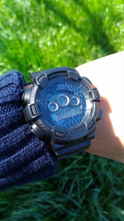 ダイソーの300円時計 ブループラネットG プチカスタム装着イメージ1