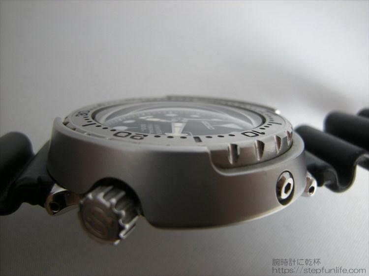 セイコーのダイバーズ時計(sbbn017) ツナ缶の球面ガラス