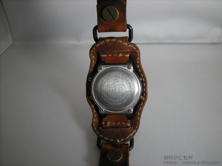 Gショック(G-SHOCK)レザーカスタム DW-5600 (茶)裏側の写真