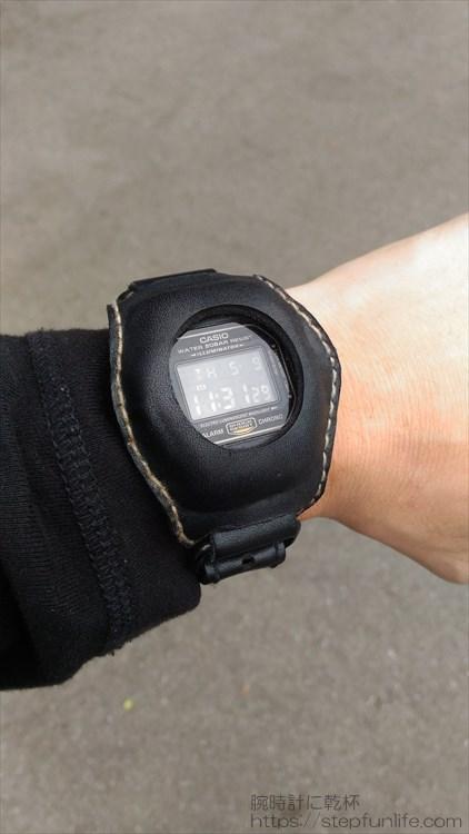 Gショック(G-SHOCK)レザーカスタム DW-5600 (黒)着用イメージ