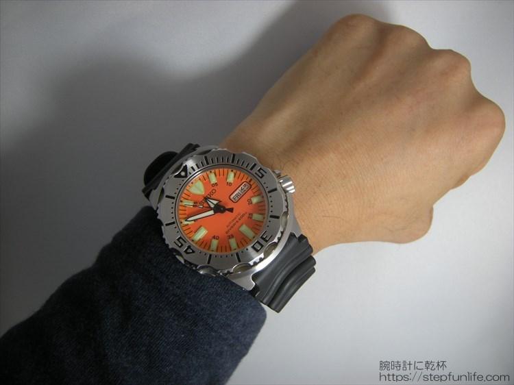 SEIKO セイコー 7s26-0350 (オレンジモンスター)装着イメージ1