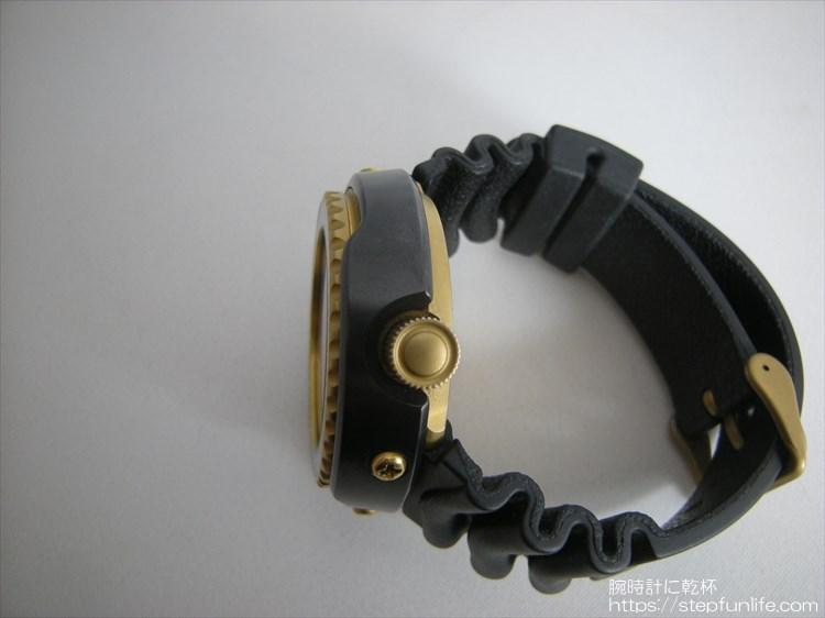 seiko 7c46-7009 ツナ缶 黒×ゴールド 右サイド