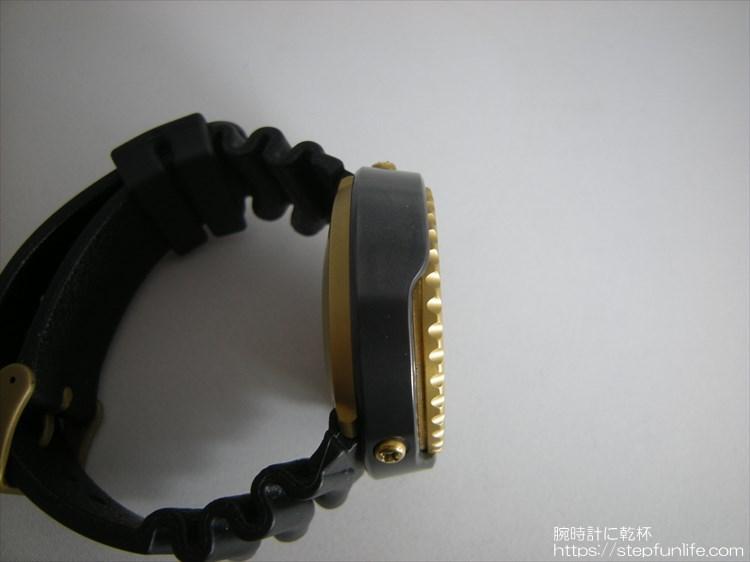 seiko 7c46-7009 ツナ缶 黒×ゴールド 左サイド