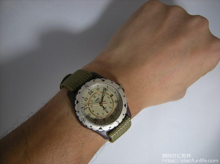 タイメックス サファリ (timex safari) 復刻 アダムエロペ オリーブベルト  着用イメージ