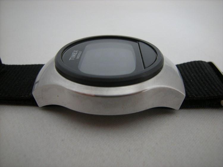 timex(タイメックス)デジタル 左サイド