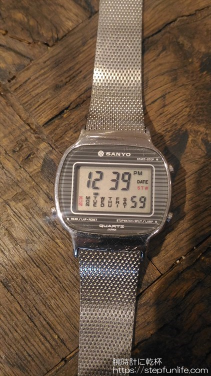 サンヨー デジタル時計 フェイス