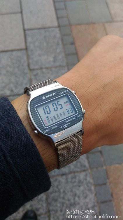 サンヨー デジタル時計 装着イメージ