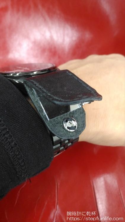 腕時計に鏡を取り付ける 装着イメージ5 OPEN