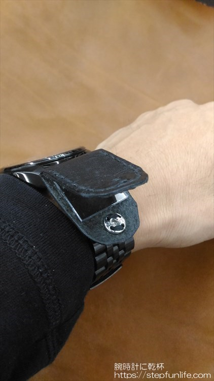 腕時計に鏡を取り付ける 装着イメージ OPEN