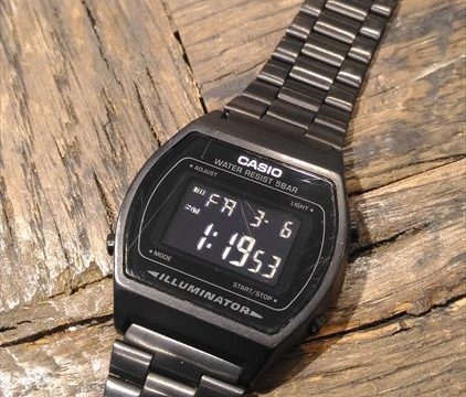 カシオ(CASIO) B640WB オールブラックのチープカシオ