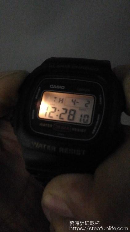 カシオ DW-310 着用イメージ バックライト