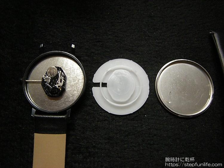 ダイソー 500円時計 シンプルウォッチ ムーブメント2