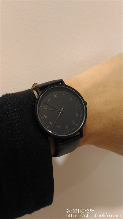 ダイソー 500円時計 シンプルウォッチ 着用イメージ3