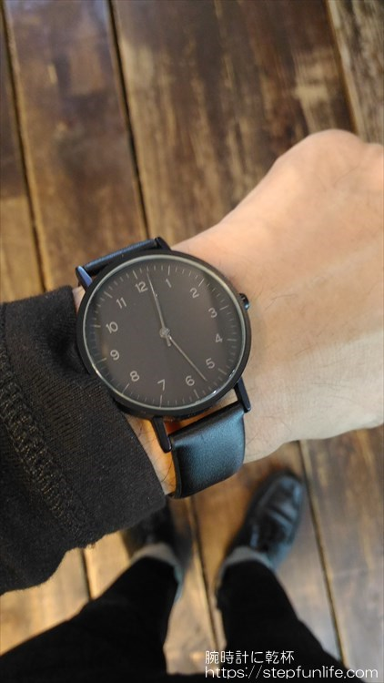 ダイソー 500円時計 シンプルウォッチ 着用イメージ