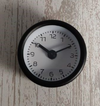 車の時計 ダイソー ミニアラームクロック