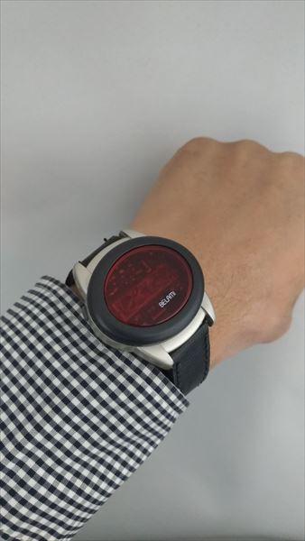 ベラミ(BELAMI)LEDウォッチ レザーベルト 着用イメージ