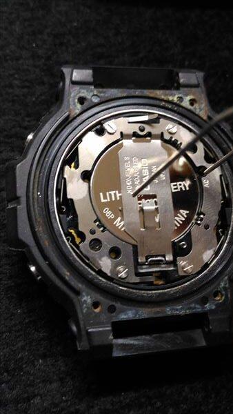カシオ Gショック DW-5900 電池交換5 短絡