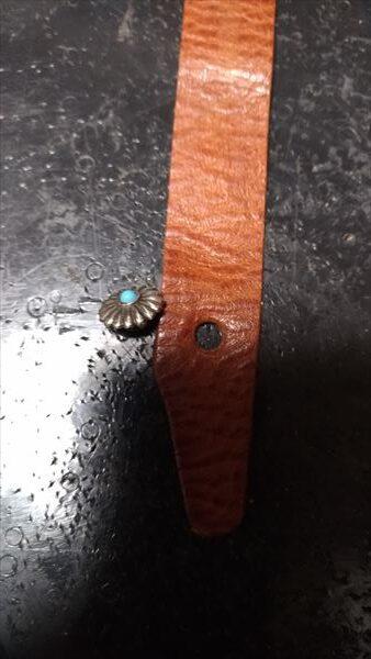 超簡単 腕時計ベルトの作り方 コンチョ(ヘッド)穴あけ完成