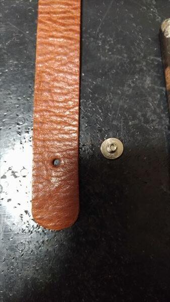 超簡単 腕時計ベルトの作り方 コンチョ(受け金具)穴あけ完成