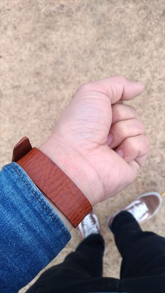 超簡単 腕時計ベルトの作り方 着用イメージ 裏