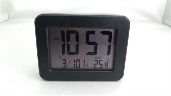 ダイソー 300円デジタル時計 フェイス