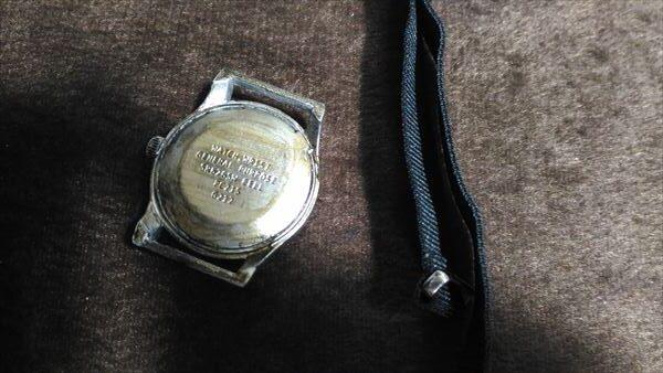 ダイソー 500円腕時計 ミリウォッチ 電池交換 手順
