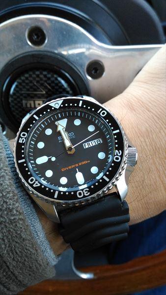 セイコー skx007 ブラックボーイ 着用イメージ
