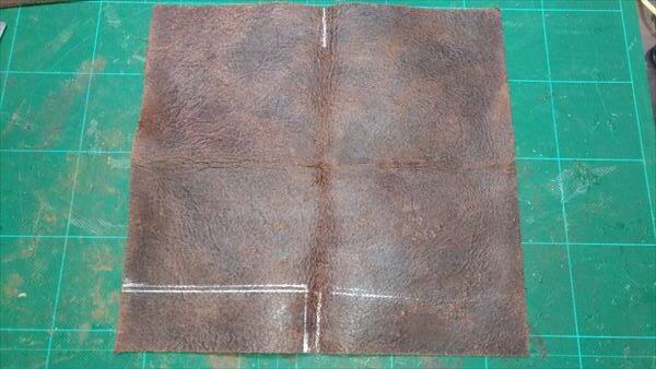 薄い財布を自作(レザークラフト・ハンドメイド) レザー床面
