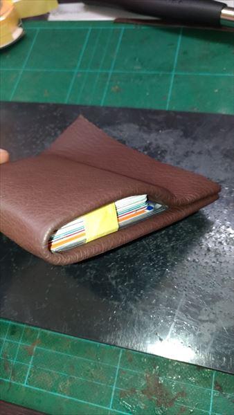 薄い財布を自作(レザークラフト・ハンドメイド) カードサイズ合わせ