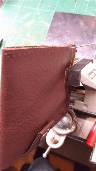 薄い財布を自作(レザークラフト・ハンドメイド) サイド縫い