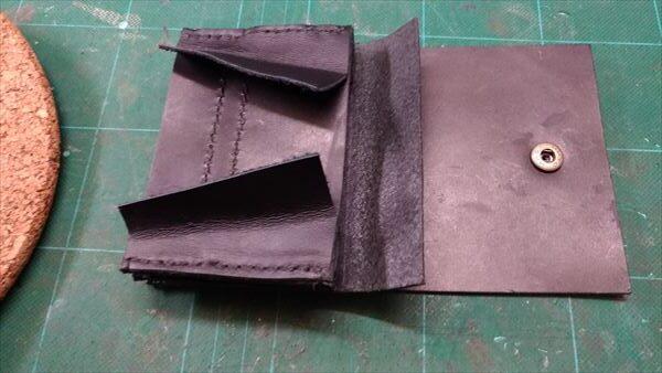 小さい財布を自作。「札仕切り」と「内部パーツ」を縫い合わせる