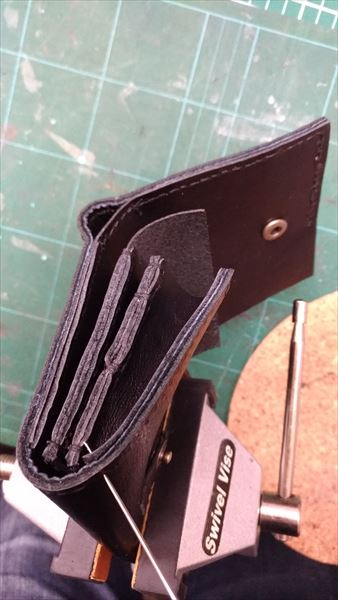 小さい財布を自作。外装縫い付け
