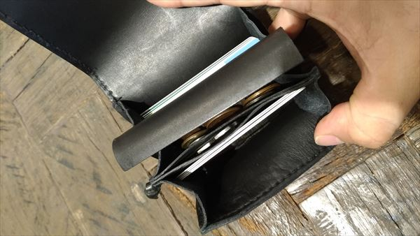 小さい財布を自作。収納例
