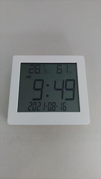 ダイソー 500円デジタル置時計(温湿度計付き) フェイス3