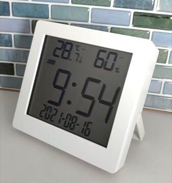 ダイソー 500円デジタル置時計(温湿度計付き)