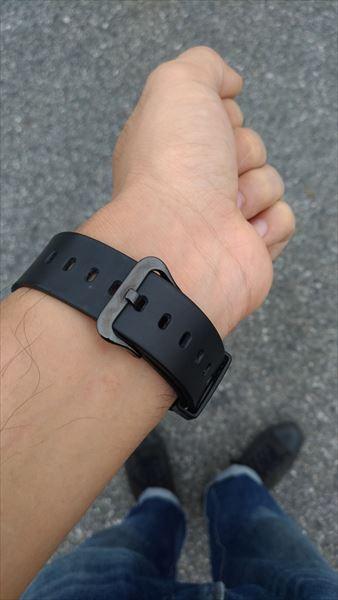 カシオ Gショック DW-6900BB(オールブラック) 着用イメージ 尾錠