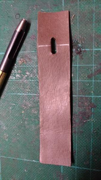 スカーゲン(SKAGEN) SKW6024 の自作ベルト つく棒穴2